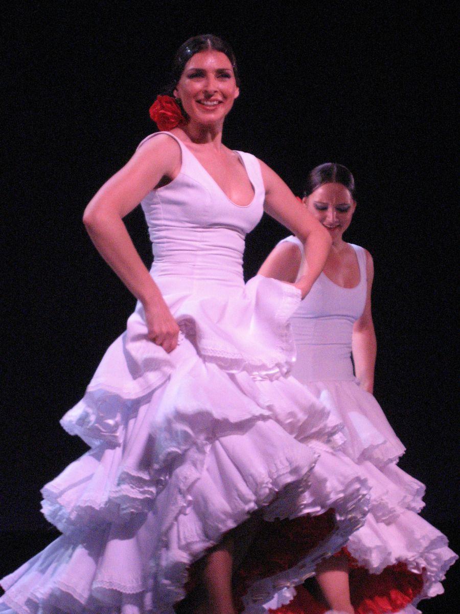 """Nuevo Ballet Espanol show """"CambiodeTercio"""" inRiga"""