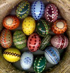 How will we colour Easter eggs?