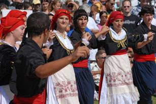 Syrtaki - Greek National Dance?