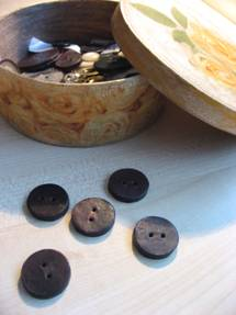 Artefacts from buttons