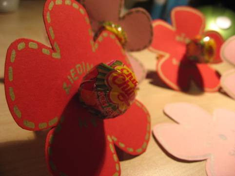 Handmade blossoms – a gift for Valentine's Day